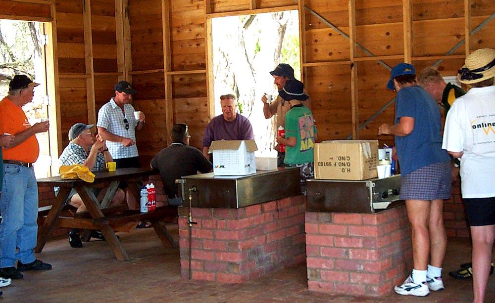 camp-kitchen2